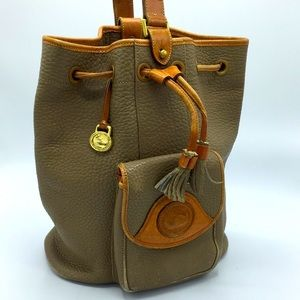Vintage Dooney & Bourke leather bucket sling bag
